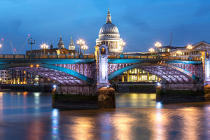 blackfriars-bridge-st-paul-s