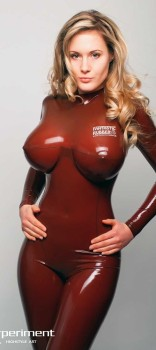 hot-blonde-babe-with-hot-knockers-dressed-in-latex-pin-big-tits-1428666810k48gn