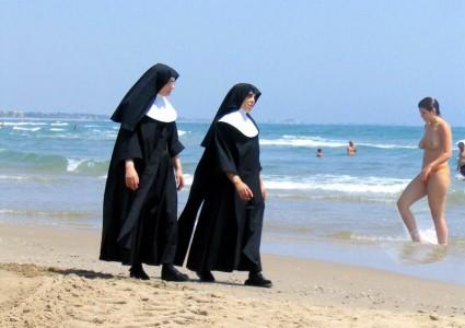 nuns.on.beach